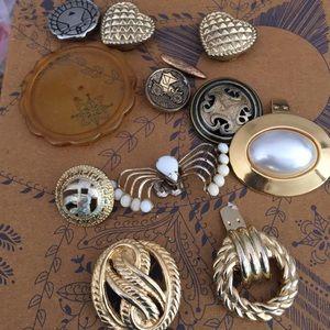Vintage buttons button caps shoe clips Bluette